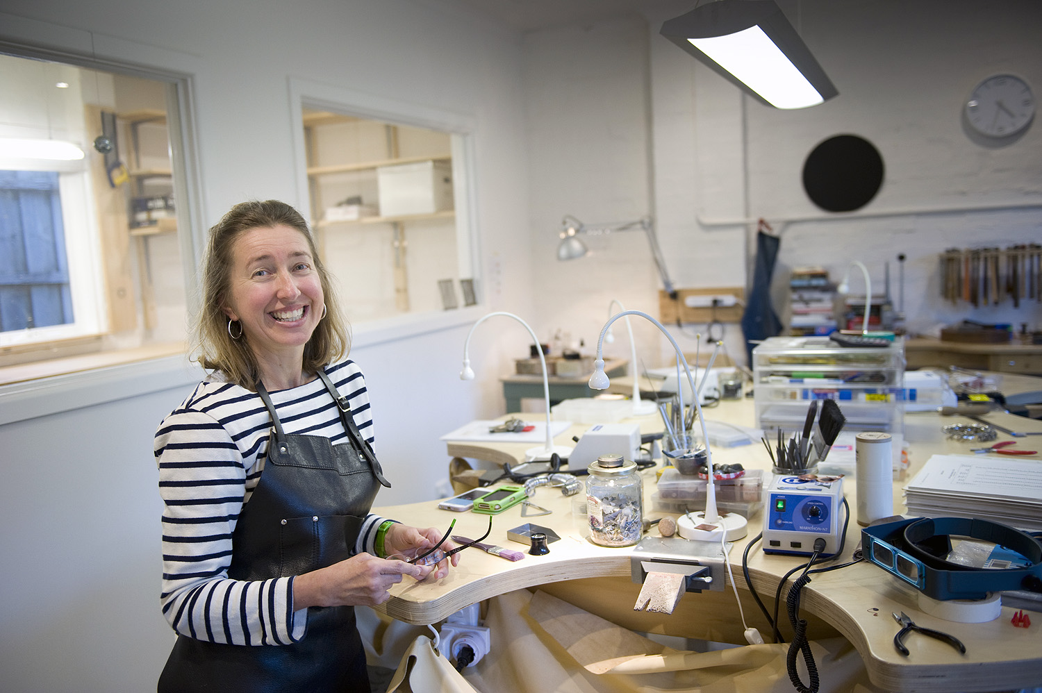 jane ruljancich in her home jewellery studio1