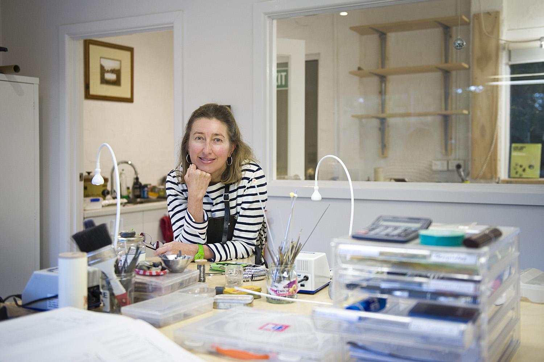 jane ruljancich in her home jewellery studio2