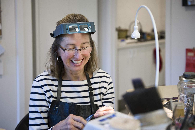 jane ruljancich in her home jewellery studio3